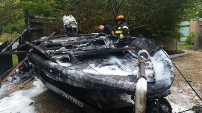 Fishing boat destroyed by an electrical fire