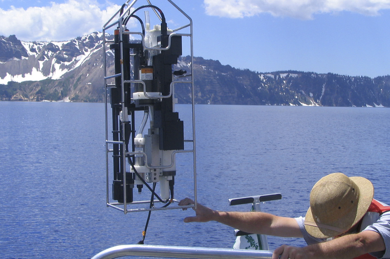 Oceanographic Equipment Using a Custom Battery Pack